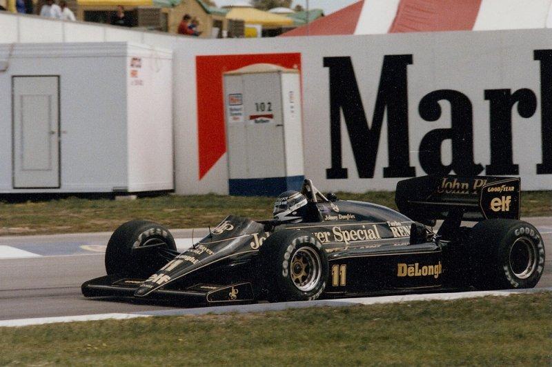 1986 Adelaide F1 11 Johnny Dumfries Lotus 98T Renault 1.jpg