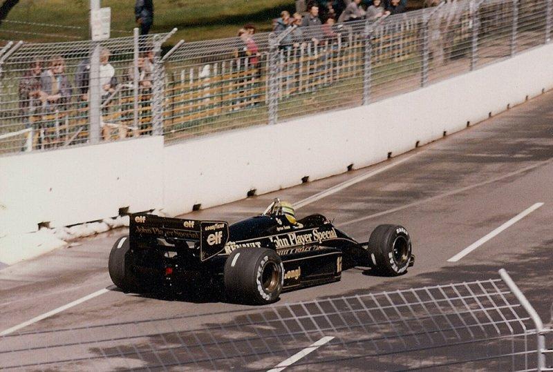1986 Adelaide F1 12 Ayrton Senna Lotus 98T Renault.jpg
