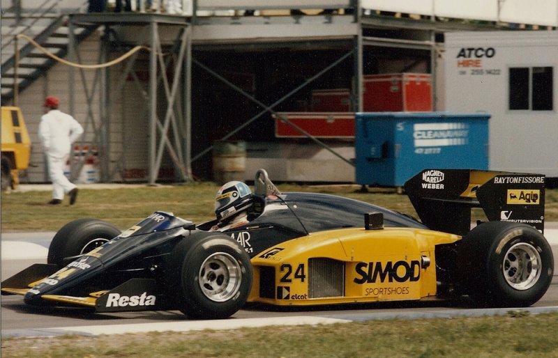 1986 Adelaide F1 24 Alessandro Nannini Minardi M186 Motori Moderni 1.jpg