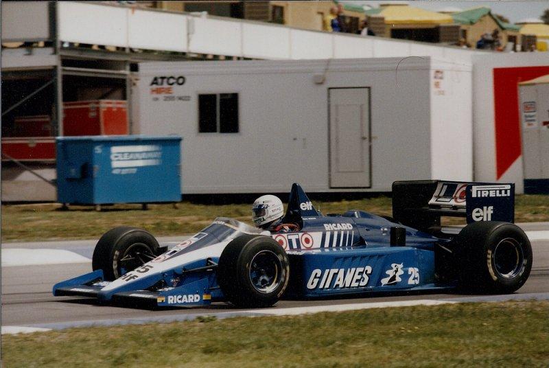 1986 Adelaide F1 25 Rene Arnoux Ligier JS27 Renault 1.jpg