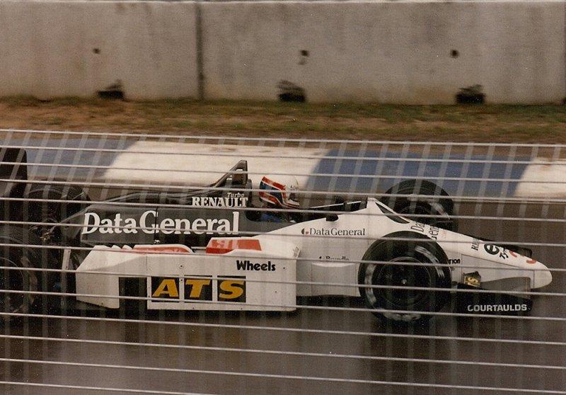 1986 Adelaide F1 3 Martin Brundle Tyrrell 015 Renault 1.jpg
